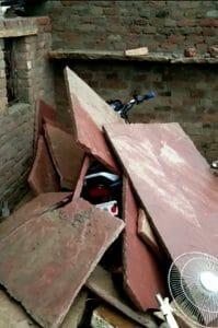 Morena News: रात को घर पर गिरी आकाशीय बिजली, सो रहे पति की मौत, पत्नी घायल