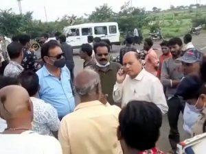 Sagar Accident : स्कूटी को तेज रफ़्तार कार ने मारी टक्कर, 1 की मौत, 3 गंभीर घायल