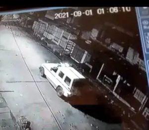 पुलिस के नाक के नीचे चोर ने दिया वारदात को अंजाम, नगदी समेत मोबाइल पर किया हांथ साफ, CCTV में कैद