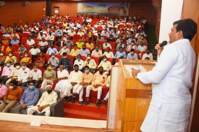 Gwalior News : जनपद पंचायत मुरार की 60 ग्राम पंचायतों में हुआ शत-प्रतिशत वैक्सीनेशन, मंत्री ने किया सम्मान
