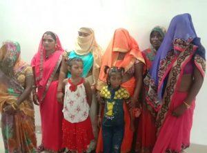 Gwalior News : बंदूक की दम पर बनाया बंधक, आदिवासी महिला की पेड़ से बांधकर मारपीट