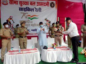 दिल्ली तक 320 किलोमीटर की साइकिल रैली लेकर निकले BSF जवान, राजघाट पर होगा समापन