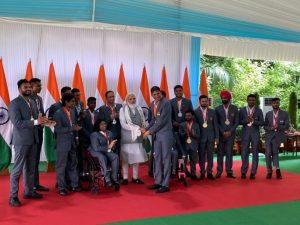 टोक्यो पैरालिंपिक में भारत का परचम लहराने वाले खिलाड़ियों से प्रधानमंत्री मोदी ने की मुलाकात