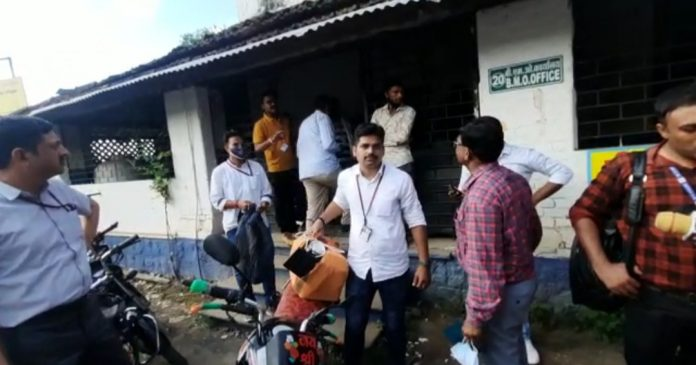 Ujjain : EOW ने स्वास्थ्य विभाग के अकाउंटेंट को रिश्वत लेते रंगे हाथों पकड़ा