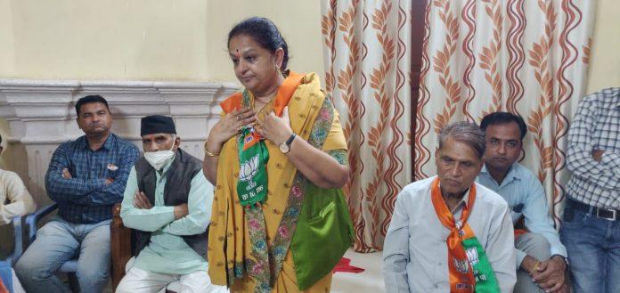 Khandwa Lok Sabha Byelection : पूर्व मंत्री को मिला दीपक जोशी का साथ, बदलेंगे समीकरण
