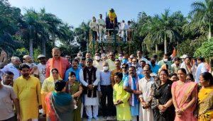 सियासी अखाड़ा बनी गांधी जयंती: भाजपा सांसद का विरोध, कांग्रेस की जमकर नारेबाजी