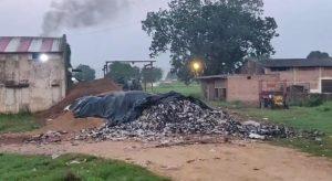 Datia news : गुड़ के कारखानों से उगलता जहरीला धुआं, मानव जीवन पर डाल रहा है दुष्प्रभाव