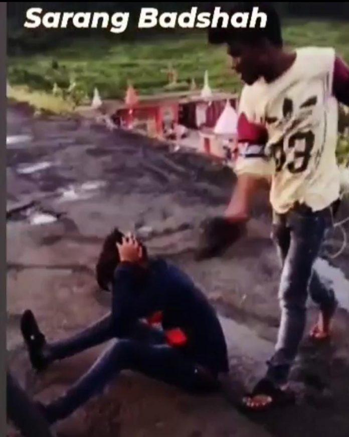 जबलपुर : सारंग नाम से बदमाश लड़कों की गैंग का खौफ, राह चलते लोगों से मारपीट कर वीडियो करते है वायरल