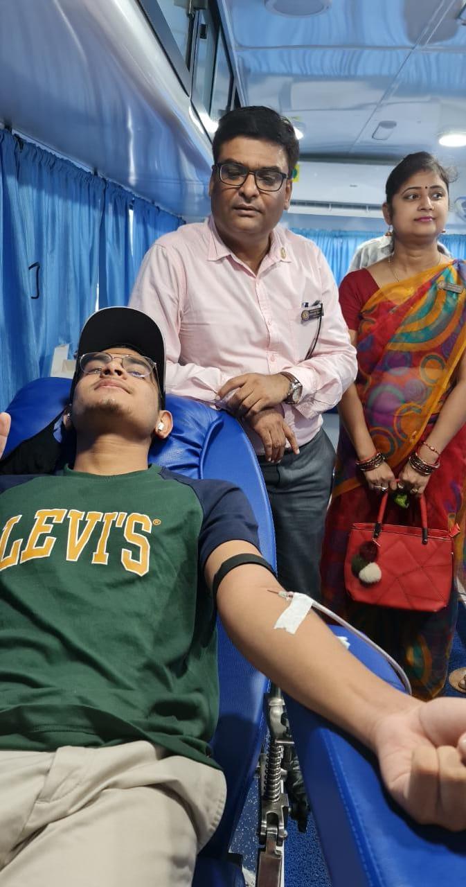 लायंस क्लब सरोवर का रक्तदान शिविर, बड़ी संख्या में लोग हुए शामिल